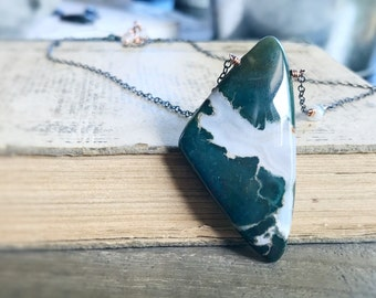 Bloodstone Necklace, Rose Gold Necklace, Green Bloodstone Pendant, Natural Healing Stone, Sapphire Necklace, Bohemian Style Necklace
