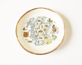 Scottish ring tray: Really cute, 1960s fine Dartmouth Pottery porcelain ring tray or trinket tray screen-printed with map of Scotland