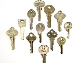 12 vintage keys Key collection Vintage keys with writing Antique keys Number keys House keys Old keys for crafting Craft keys Antique A1 #1B