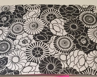 Black and White Bloom Flat Cards - 5 Bar size