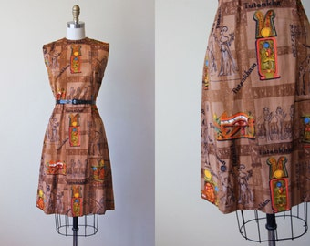 60s Dress - Vintage 1960s Dress - Novelty Print King Tut Egyptian Cotton Princess Seam Sheath S M - Tutankha Dress