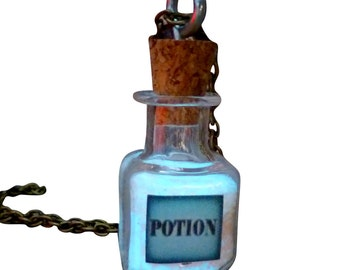 poTIOn NecklACe Glow in the dark necklace pendant bottle