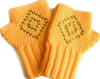 Diamond Fingerless Gloves