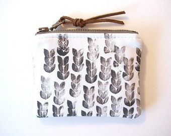 Black and White Knit Hand Printed Zipper Small Coin Purse