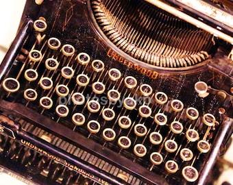 "12"" x 18"" old Typewriter Canvas photo print"
