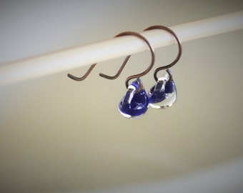 Water Droplet Earrings - Borosilicate Glass Teardrops on Antique Copper Wires in Violet - Deep Purple
