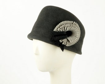 Charcoal Gray Bucket Hat for Women, Gray Cloche Hat, Womens Felt Hat, Designer Hats, Vintage Hat Style, Ladies Winter Hat, Elegant Hat,