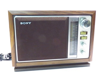 Sony AM / FM 2 Band Table Top Radio Vintage 1970s 1980s Retro Radio
