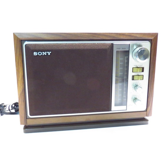 sony am fm 2 band table top radio vintage 1970s 1980s retro. Black Bedroom Furniture Sets. Home Design Ideas