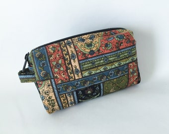 Small Cosmetic Quilted  Vera Bradley Style Vinyl Lined Zipper Top Patchwork Print Multi Color