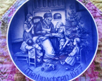 Beautiful Blue and White Bareuther German 1977 Christmas Plate