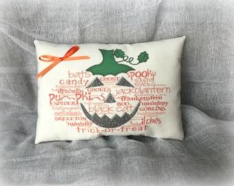 Halloween decoration | Halloween pillow | Pumpkin pillow | Day of the Dead | Halloween decor | Pumpkin art | Halloween word art tuck