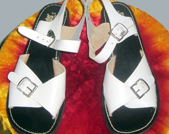White Leather 1940's-50's Sandals Sz 4.5