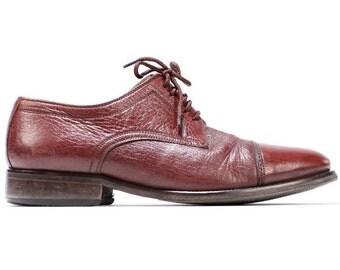 SALE . Vintage Oxfords WINGTIP Brogues . Mens 70s Lace Up Oxford Leather CapToe Brown Bluchers Dress Shoes . US mens 8 , Eur 41 Uk 7.5