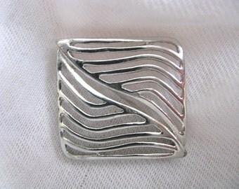 Silver tone mod geometric vintage brooch pin