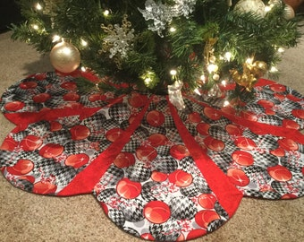 LARGE Red Black and White Ornament Scalloped Octagon Christmas Tree Skirt IN STOCK