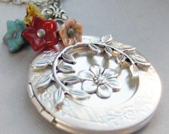 Gypsy Flower,Flower Necklace,Gypsy Necklace,Gypsy Locket,Flower Locket,Flower Pendant,Leaf Necklace,Leaf Jewerly,Flower Jewelry,Birthstone