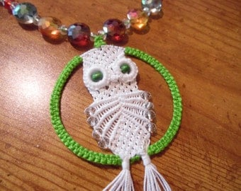 Macrame' owl necklace