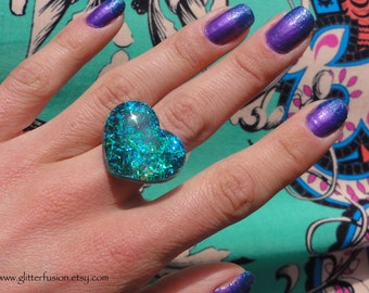 Teal Mermaid Tinsel Glitter Resin Heart Ring, Vegan Abalone Sea Queen Confetti Heart Ring, Deep Turquoise Tinsel Glitter Sparkly Heart Ring