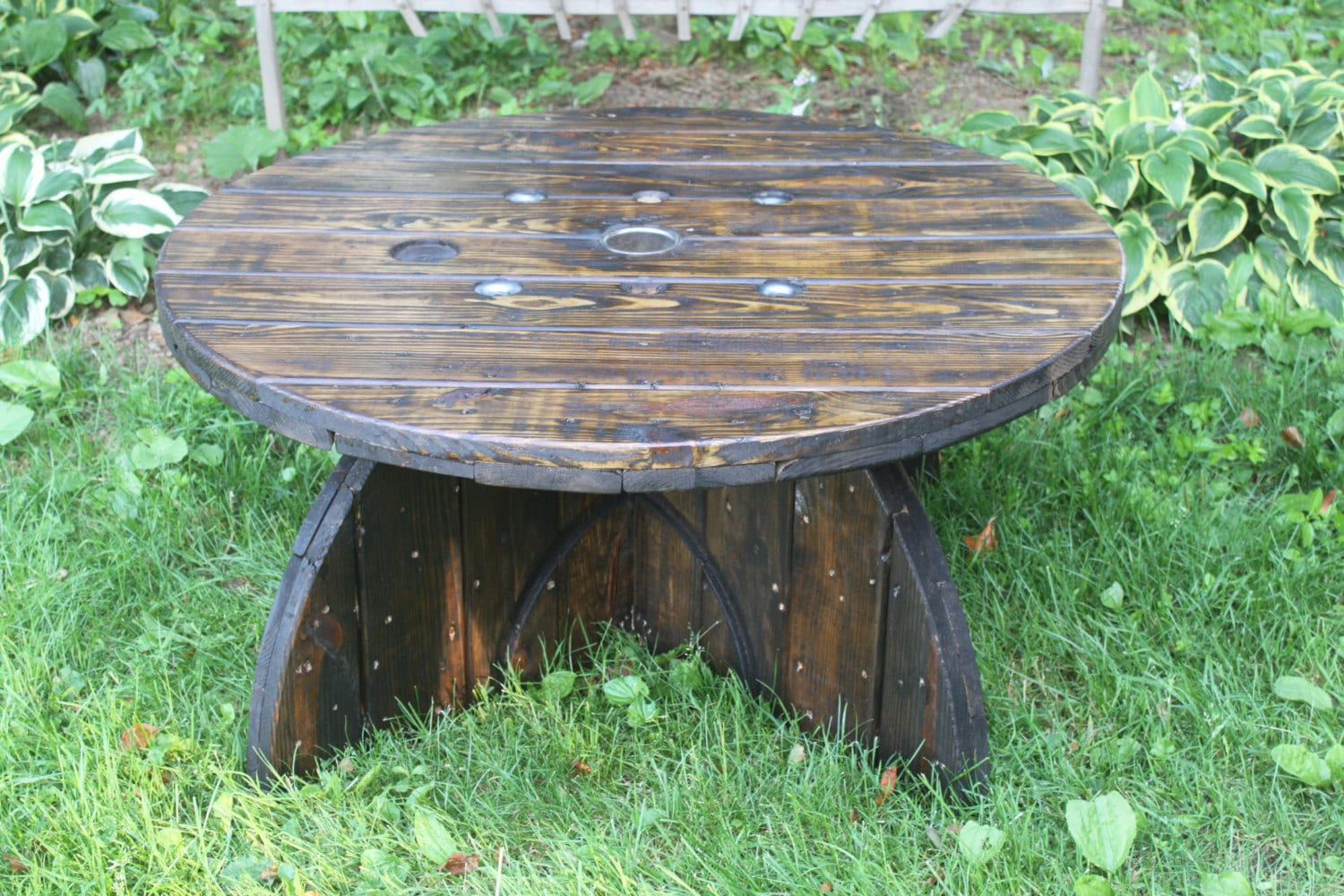 Wooden spool table wire spool furniture indoor outdoor for Outdoor tables made out of wooden wire spools