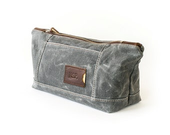 NO. 317 Personalized Cosmetics Travel Bag, Makeup Toiletry Bag, Anniversary Gift for Her, Waxed Cotton Canvas, Horween Leather