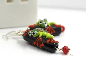 Frog lover earrings , tree frog , black earrings with green tree frog