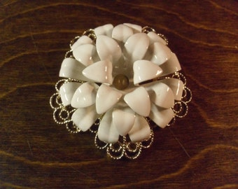"Vintage 1960's Sarah Coventry ""Snow Flower"" White Enamel Flower Brooch"
