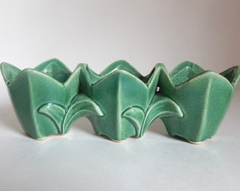 Mid Century 1940's McCoy Pottery Tulip Flower Pot / Planter