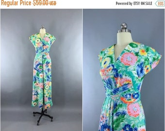 SALE 50% OFF - Vintage 1970s Maxi Dress / 70s Dress / Aqua Green Floral Print / Hostess Dress / Size Medium M