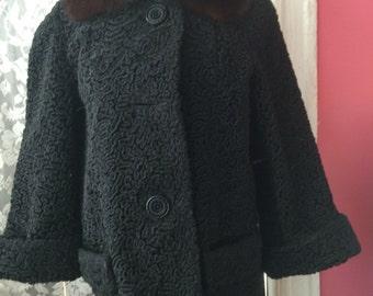 Stunning  lambskin Jacket with Fur Collar