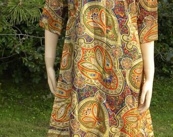 1960s Shift Dress - Vintage Paisley Print A-Line Shift - Boho Fashion - Vintage Textile - Garden Dress