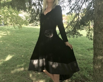 vintage black velvet dress 90s 80s ball gown prom witch renaissance gothic prom size medium