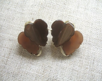Vintage Earrings ~ 2 Tone Brown Thermoset ~ Clip On