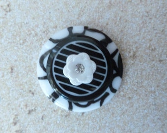 Black and White Layered Magnet