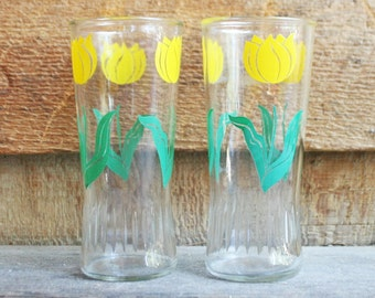 Vintage Pair of Anchor Hocking Floral Glasses