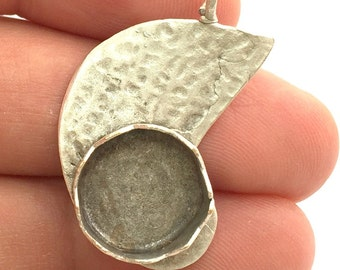 Antique Silver Plated Brass  Hammered Pendant Settings Blanks  Mountings , (15mm blank) G5984