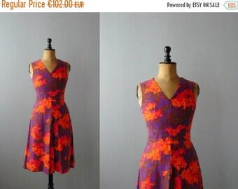 CLOSING SHOP 50% SALE / Vintage dress. 1960s cotton dress. floral print dress
