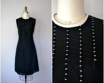 1950s black cotton embroidered dress / detailed neckline shift dress / small