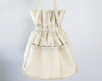Vintage 1970's Beige Tan Purse / Mod Drawstring Pouch Bag / 70's Retro Handbag