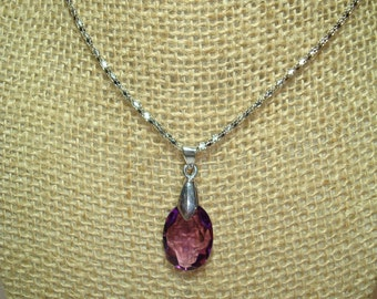 Amethyst Colored Facetted Jeweled Necklace.