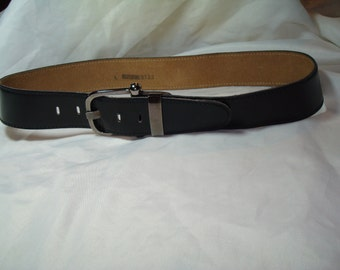 Vintage Bullocks Wilshire Ladies Black Leather Belt.