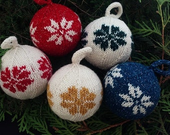 Knit Christmas Balls Kit