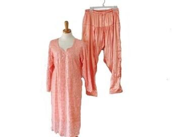 30% off sale // Vintage 70s Gorgeous Sequin Peach Kameez Tunic and Harem Pants Set - Women Large, costume, India