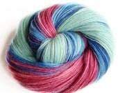 1,5 degr C - NZ corriedale wool  - single thread shawl yarn 98gr 480m
