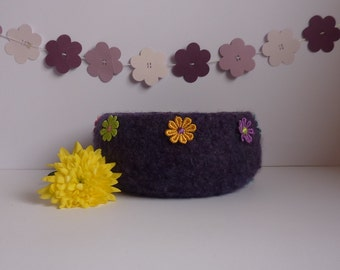 FELTED 'FUSSPOT' bowl/ pod . ' Flower Power' (A dark purple bowl with multi-cloured Daisy motifs) ...UK seller..ready to ship......