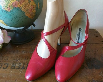 Fiery Hot Vintage Strappy Pumps // 90's Heels // New York Transit / red leather heels / 7.5