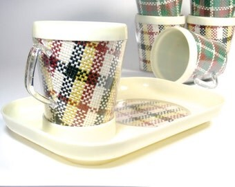 60s Picnic Set - 6 Plates & Mugs