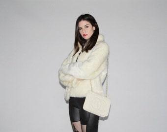 SALE 65% OFF ends 02/16 1980s Ivory Faux Fur Coat   - Vintage Fur Coats  - Vintage 80s Fur Coats   - WO0033