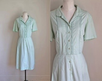 vintage 1950s/60s shirtwaist dress -  JADEITE mint green shirt dress  / L