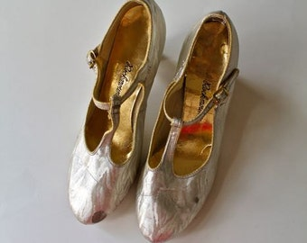 vintage dance shoes- CHAMPAGNE metallic T-strap high heel shoes   / sz 9